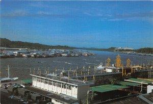 us8168 brunei harbour begawan  brunei