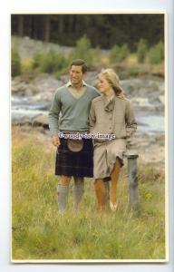 r2551 - Diana & Charles looking Happy & in Love, at Dee-Side Idyll - postcard