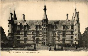 CPA   Nevers-  Le Palais Ducal (355599)