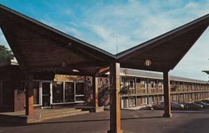 CHARLOTTETOWN , P.E.I. , Canada , 1985 ; Holiday Island Motor Lodge