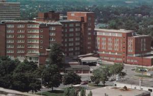 Hospital ; KITCHENER , Ontario , Canada , 50-60s