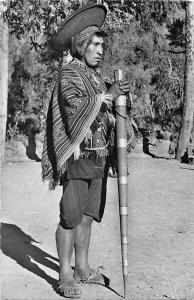 Peru, Pisca, Alcalde indio con vestidura dominical