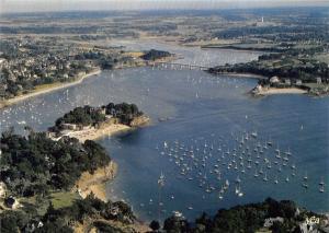 France La Bretagne Pittoresque Face a Lancieux A l'estuaire du Fremur Boats