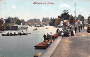 BERKSHIRE ENGLAND MAIDENHEAD BRIDGE~PUNTS~TOURING BOATS POSTCARD 1907 PSTMK
