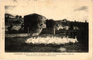 CPA POITIERS - Valle du Clain - Tour de l'ancien chateau (365652)