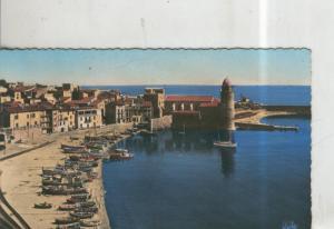 Postal 010336: Playa e Iglesia de Saint Vincent en Collioure, Francia