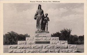Pioneer Woman Monument Statue Ponca City Oklahoma