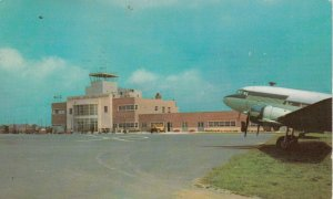 ALLENTOWN , Pa. ; Prop Airplane at airport