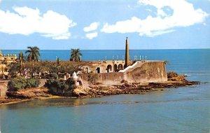 Las Bovedas a Seawall Panama Unused