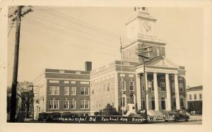 Dover NH 1940s Cars~10:20 AM~Soldiers Monument in Front of City Hall~RPPC