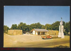 TORRINGTON WYOMING BLUE LANTERN COURT MOTEL 1950's TRUCK VINTAGE POSTCARD