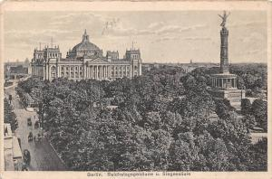 Berlin Reichstagsgebaeude u. Siegessaeule Statue Promenade