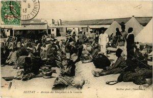 CPA AK Settat - Arrivee des Senegalais a la Caserne MAROC (964181)