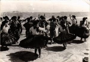 CPM AK NAZARE Rancho folclorico Ta-Mar Dancas PORTUGAL (750913)