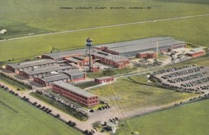 WICHITA , Kansas , 1930-40s ; Cessna Aircraft Plant