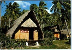 MOOREA, TAHITI ~ CLUB MEDITERRANEE Thatched Huts  Vintage 4 x 6 Postcard