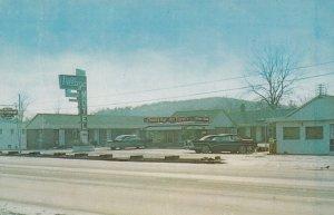 LONDON, Kentucky, 1950-1960s ; Village Motel and Restaurant