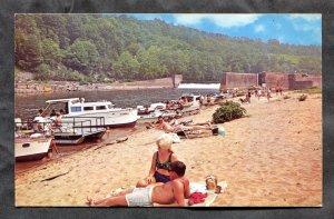 5178 - BONNESBORO Ky 1960s State Park Beach. Boats