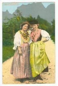 2 women, Ampezzanerinnen, 00-10s