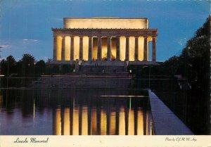 Postcard USA Lincoln Memorial Washington DC
