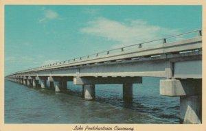 NEW ORLEANS , Louisiana , 50-60s ; Lake Pontchartrain Causeway