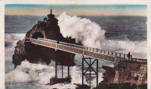 France Biarritz La tempete au Rocher de la Vierge 1949 Photo