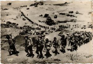 CPA Debarquement En Normandie Arrivee des rentorts allies en Normandi (272255)