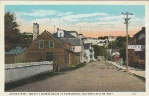 MACKINAC ISLAND , Michigan , 1910 ; Astor Street