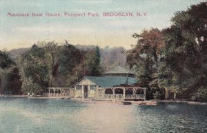 NEW YORK CITY , 1910 ; Brooklyn ; Miniature Boat House