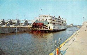 Kentucky, KY  SS DELTA QUEEN RIVER STEAMER SHIP In MARKLAND LOCKS   Postcard