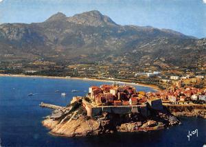 France Corse, oasis de Beaute, Calvi, Citadelle vue du large, Plage