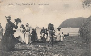 DOMINICA , B.W.I. , 00-10s ; Natives Selling Fruit