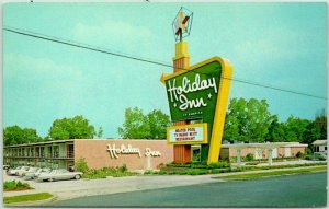 1960s Jesup, Georgia Postcard HOLIDAY INN MOTEL Pool Scene Roadside Chrome