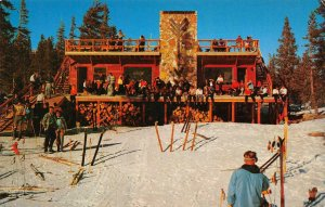 Mammoth Ski Hut MAMMOTH LAKES, CA Inyo National Forest Skiers c1950s Postcard