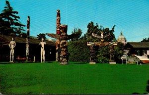 Canada Victoria Thunderbird Park Indian Totem Poles