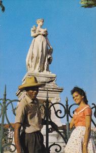 MARTINIQUE, PU-1973; Empress Josephine's Statue, Couple Enjoying The View