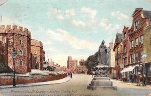 Windsor Castle, Queen's Statue, Castle Hill Chateaux Promenade 1904