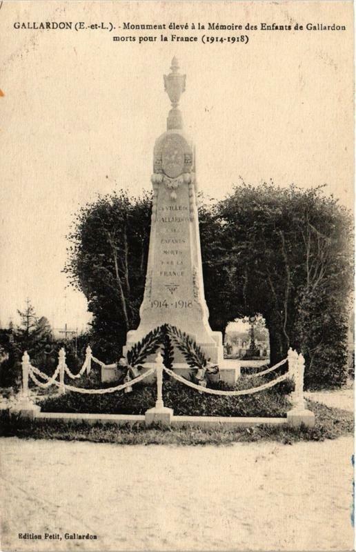 CPA Gallardon- Monument élevé á la Mémoire des Enfants de Gallardon (669951)