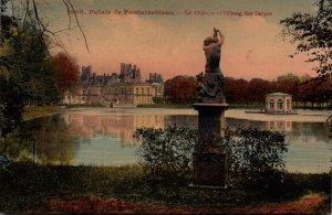 France Fontainbleau Palais Le Chteau et l'Etang des Carpes