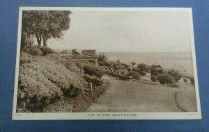 Vintage  Tucks  Postcard  The Cliffs Leigh-On-Sea Essex  G1B