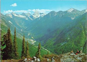 People On Mountain Rogers Pass Highway BC British Columbia Unused Postcard D43