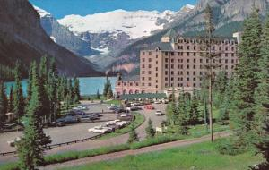Canada Alberta Lake Louise The Chateau Lake Louise Entrance And Parking Lot
