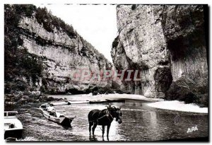 Postcard Modern Traveling the Tarn Gorges The boats Detroits A train