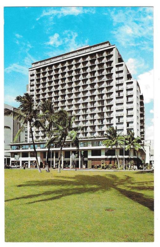 Hawaii Outrigger East Hotel Waikiki Vintage Postcard Roberts