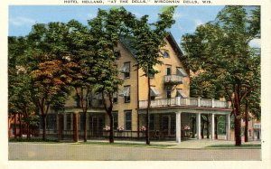 WI - The Dells. Hotel Helland.   (crease in card)