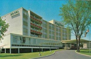 BROCKVILLE, Ontario, 1950-60s ; Skyline Hotel