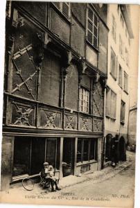 CPA THIERS - Vieille maison du xi rue de la coutellerie (197335)