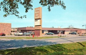 Illinois Muddy Gateway Motor Inn