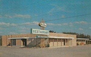 UVALDE , Texas , 1960s ; Town House Restaurant