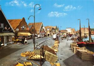 Netherlands Postcard Volendam, Holland K87